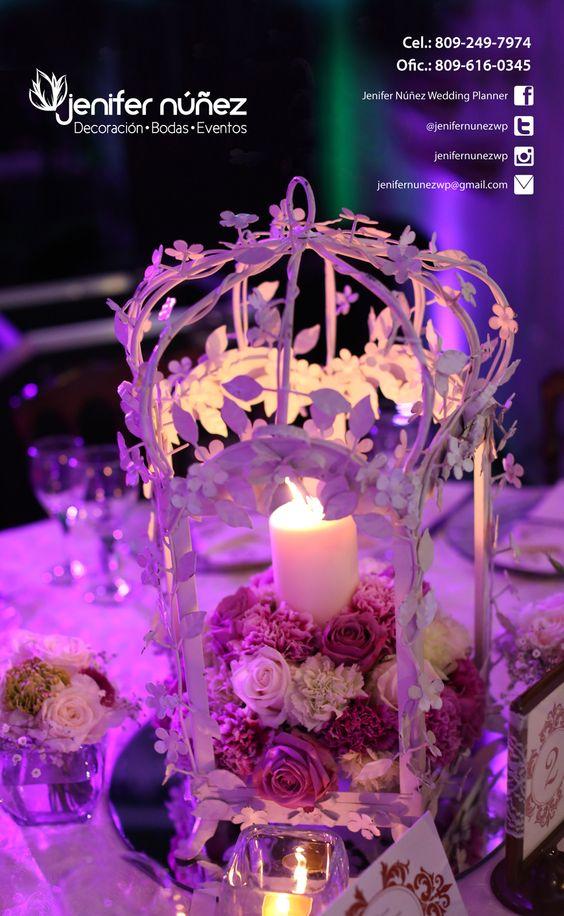 Linterna blanca, rosas y claveles, morados y verdes   Jenifer Núñez ...