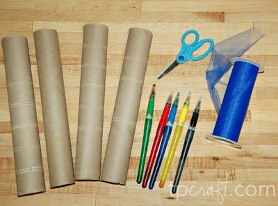 I LOVE TP roll crafts!! This is a GREAT blog!! Lots of ideas & step by step pictures :)
