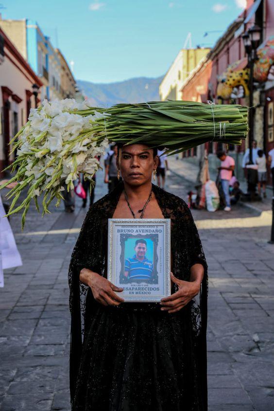 Lukas Avendaño es defensor de los derechos LBGTQ+, de su etnicidad y género, entre otras causas culturales, políticas y sociales ineludibles. (Foto: Mario Patiño)