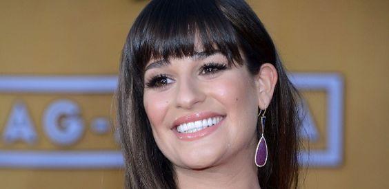 """Atriz de """"Glee"""" lançará livro com detalhes de bastidores e dicas para aspirantes a atriz."""