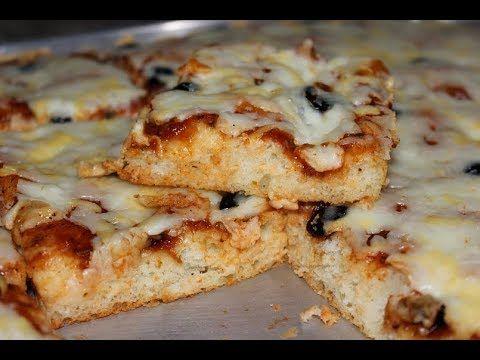 ميني بيتزا بعجينة اخف من الريشة و بالصلصة الأصلية للبيتزا ميني بيتزا تحفة و لذيذة جدا Youtube Savoury Food Pizza Bites Cooking