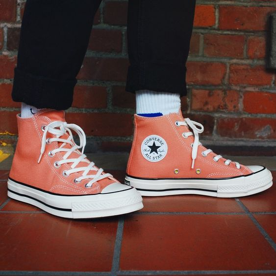 This @Converse Chuck Taylor All Star 70's Hi Top has definitely stolen a peach of our hearts... you see what we did there? 😅Get the original design you know and love with the classic 70's colouring. Shop now! #bagginsshoes #converse #converse70s