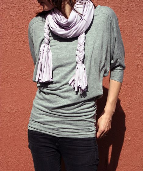 Super easy no-sew Jersey scarf, now if only I had 3 yards of Jersey sitting around.