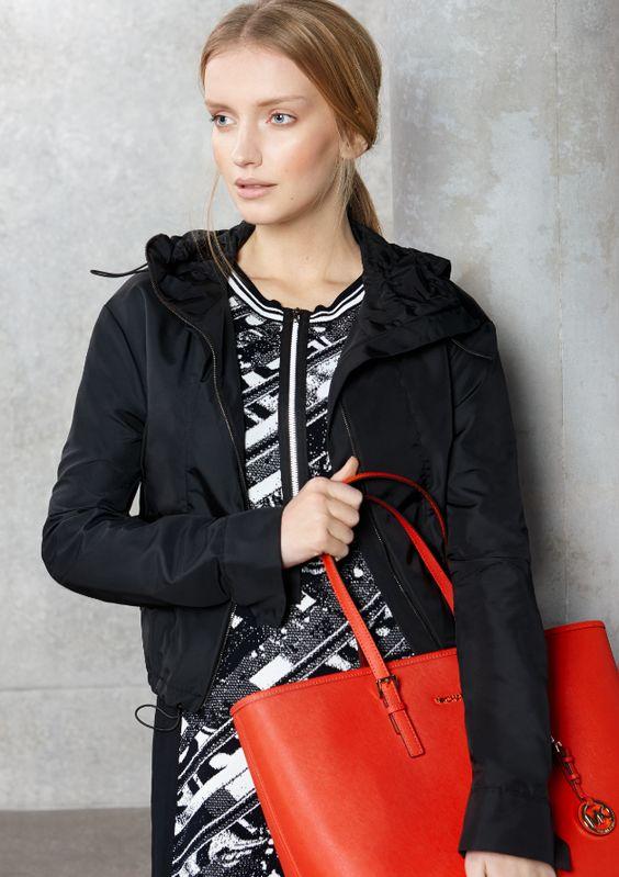 Black & White meets Flash Colours: #Look von #MarcCain #MichaelKors und #Schumacher. #Frühjahrsommer2015 #Fashion #Reischmann #design