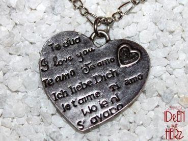 Ideen mit Herz - Herz der Sprachen in silber (Halskette). Länge: 44,5 cm.
