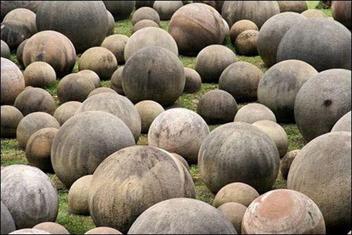 Costa Rica Esferas de Piedra.: