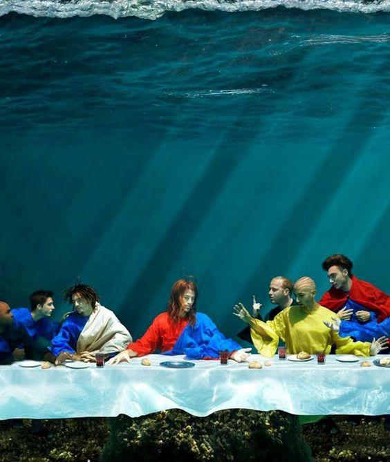 Grandioses Meisterwerk von Fotografin Gaby Fey Das Abendmahl von Leonardo da Vinci unter Wasser nachgestellt Originalmasse 4 mal 2 Meter