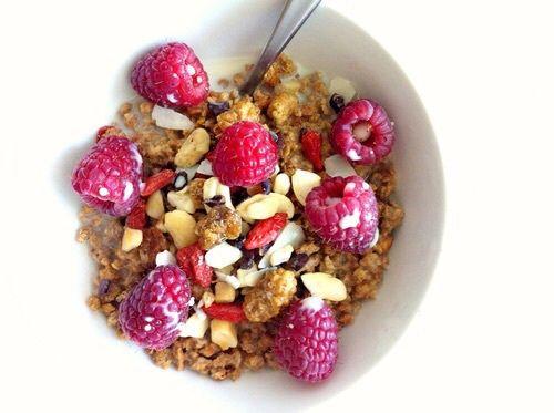Een goed ontbijt zorgt ervoor dat mensen overdag actiever zijn en dat ze gedurende de rest van de dag minder eten <3