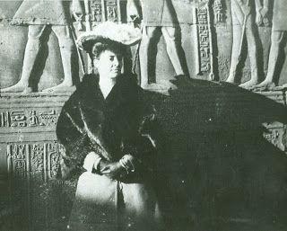 Alice Livingston on her honeymoon in Egypt. http://clermontstatehistoricsite.blogspot.com/2013/07/the-livingstons-and-their-fabulous-hats.html