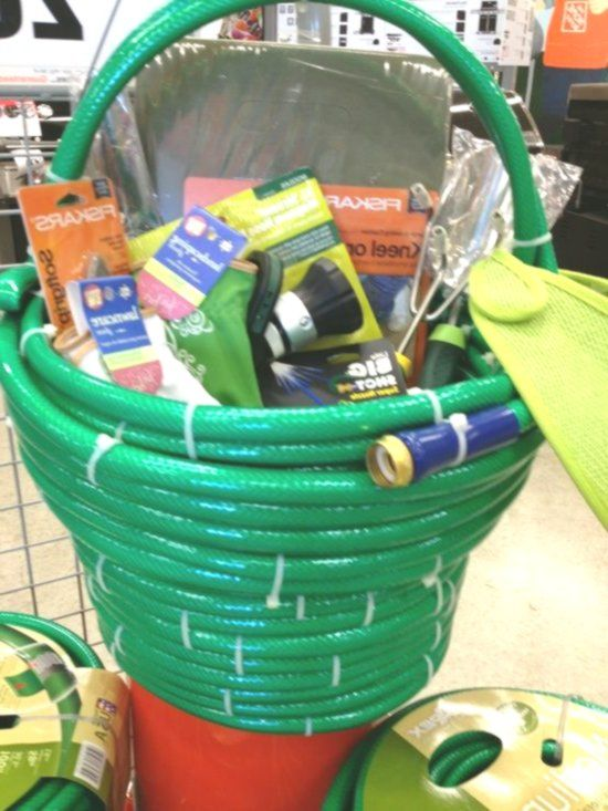 Cute Idea For A Gardening Gift Basket Made Of Out Of A Garden