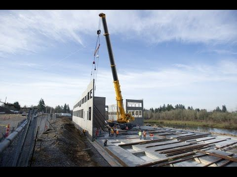 15 600 Ton Hydraulic Crane Lifts Concrete Walls Youtube Crane Lift Concrete Wall Concrete