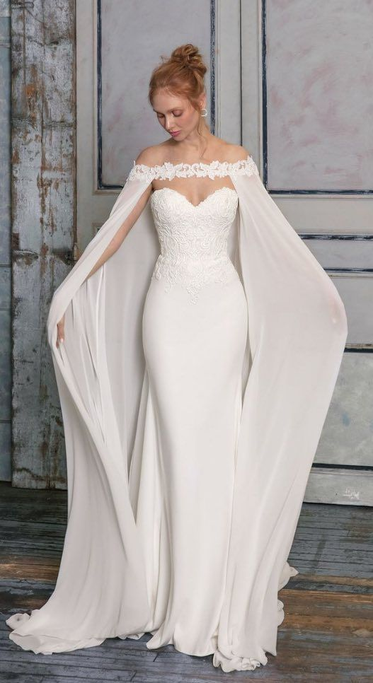 Bridal White Wedding Gown With Trail Evening Dress Ball Gown Long Wedding Gown Western English Wedding Dress Romantic Wedding Dress In 2020 Long Gown For Wedding Ball Gowns Wedding Stella York