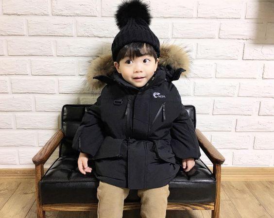아기모델 임우주 @wooju_mom - - . 오늘은~추워서 따듯하게 #네파키즈다운...Yooying