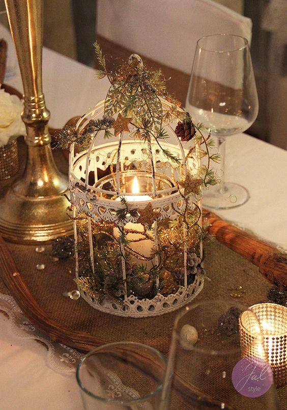 Vogelk fig mit dekoration f r weihnachtliche atmosph re for Weihnachtliche dekoration