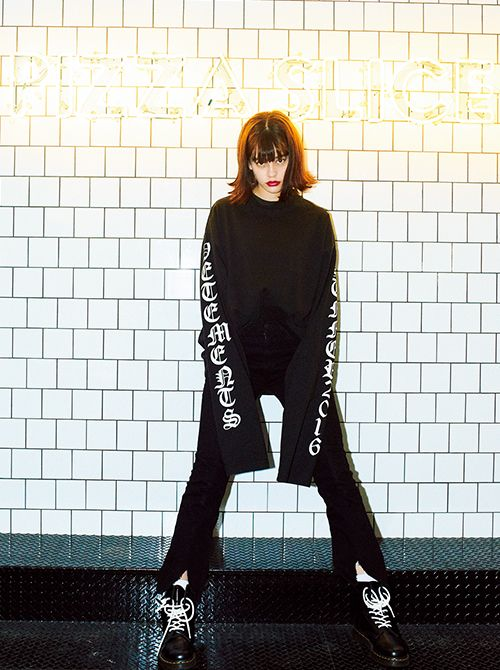 emmaの私物コーデ10連発!!「派手ストリート」コーデが可愛すぎ!|NET ViVi|講談社『ViVi』オフィシャルサイト