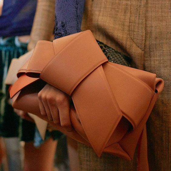 """Clutches with knot handles – backstage at #AcneStudiosSS16 #PFW"" Photo taken by @acnestudios on Instagram, pinned via the InstaPin iOS App! http://www.instapinapp.com (10/04/2015):"