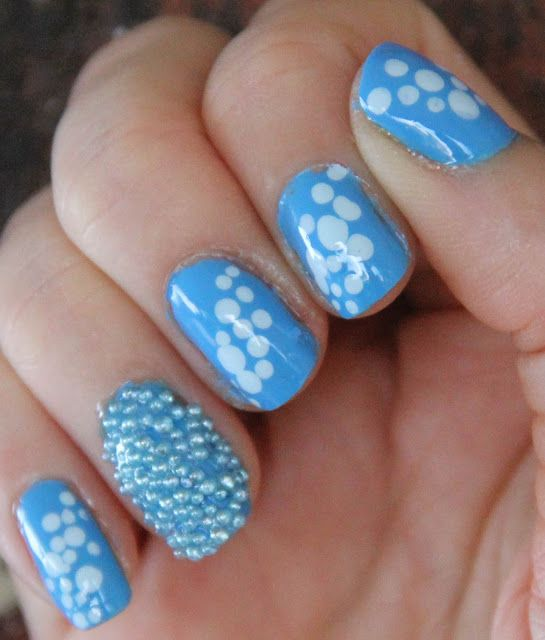 Caviar nails with bubbles!