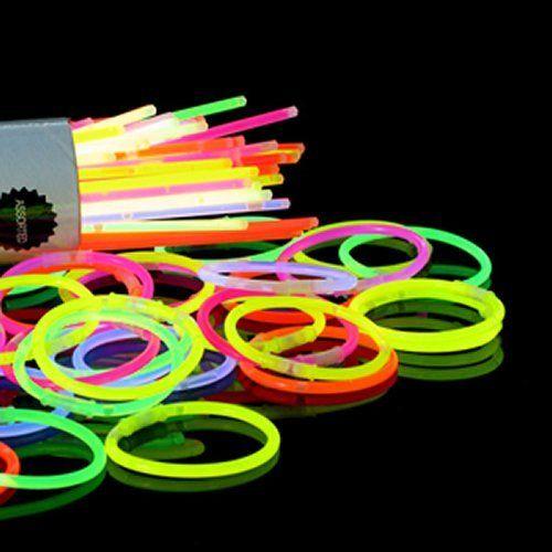 Accessotech Bâtonnet Fluo X 100 Bracelet Collier Fête Pochette Surprise Rave Disco 20 cm, http://www.amazon.fr/dp/B00JFS635Y/ref=cm_sw_r_pi_awdl_mPhixbKXM9SPW