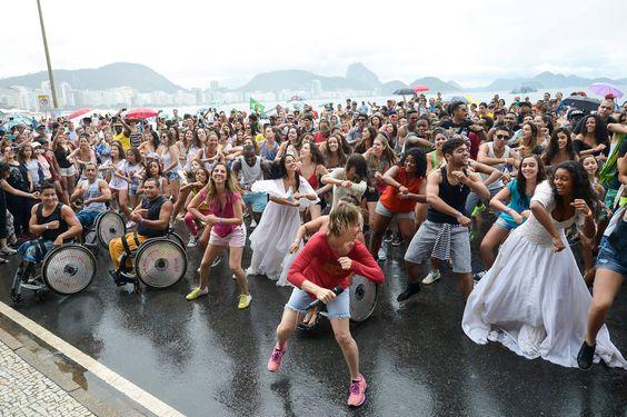 Passeata em Copacabana pelo lançamento da  Paraolimpíada em 2016 no Brasil