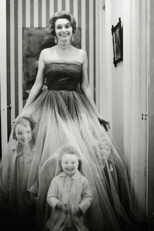 Patricia Neal and her children