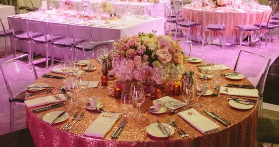 25 perfect finishing touches for your dream winter wedding - sequin tablecloths