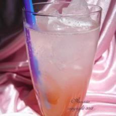 Rosemary Lemon Rhubarb Spritzer | Yummy recipe's | Pinterest | Lemon ...