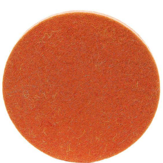 FELTO Untersetzer    Setzt Farbakzente - und verhindert lästige Ringe und Flecken, die durch feuchte Gläser auf der Tischplatte entstehen. Filz aus 100% Wolle. In verschiedenen Farben erhältlich (dunkle Farben können abfärben).    Größe: Breite 10 x Tiefe 10 x Höhe 0,5 cm  Material: 100% Wolle...