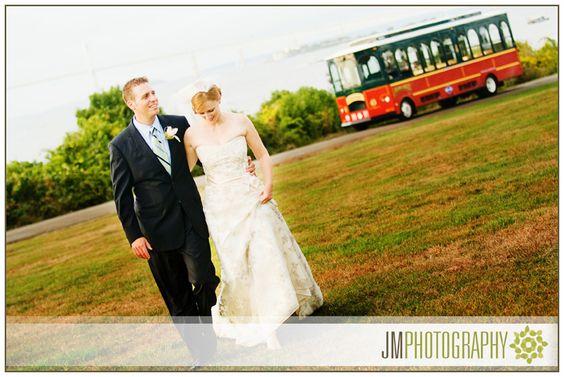 Wedding Photographed at the Eisenhower House | New England Wedding Photography | Bride & Groom Portraits |