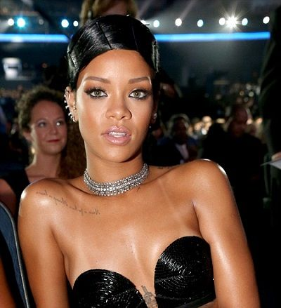 Naturally Triece: How To Rihanna Inspired Hairstyle. http://naturallymoi.com/category/hair/