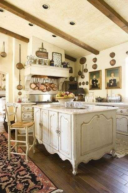 Cucine stile country - Cucina country, con quadri ...