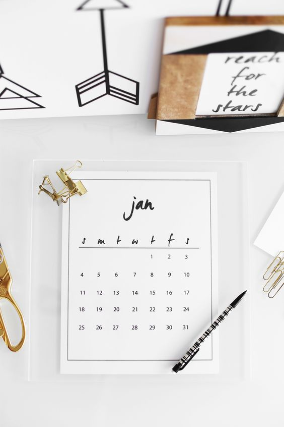Diy Calendar Easy : This acrylic calendar is ridiculously easy to diy