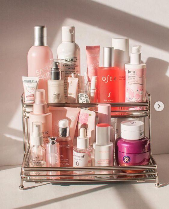 Rangement Beaute Les Meilleures Astuces Pour Ranger Ses Produits De Beaute Vues Sur Pinterest Produits De Beaute Rangements Maquillage Produit De Maquillage