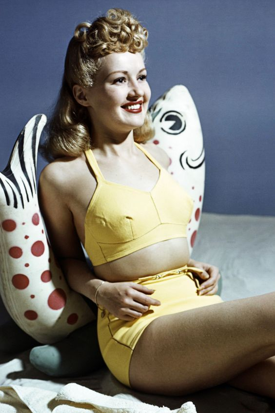1940s: High-Waisted Beach Babe  - HarpersBAZAAR.com