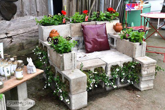 Sessel aus Betonsteinen