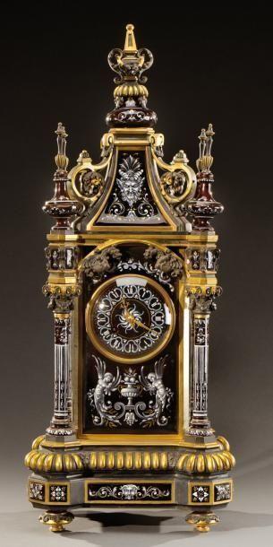 """Clocks a€"""" Decor :     PAUL SOYER (1832-1903) pA©ndulo arquitectA?nico neo-renacentista excepcional y raro. Formas; de bronce y esmalte, pintado en grisalla y adornado con dorados. La parte central de las casas son cA?bicas a€¦ a€"""" Aguttes a€""""    -Read More a€"""""""