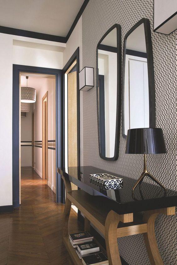 couloir papier peint géométrique