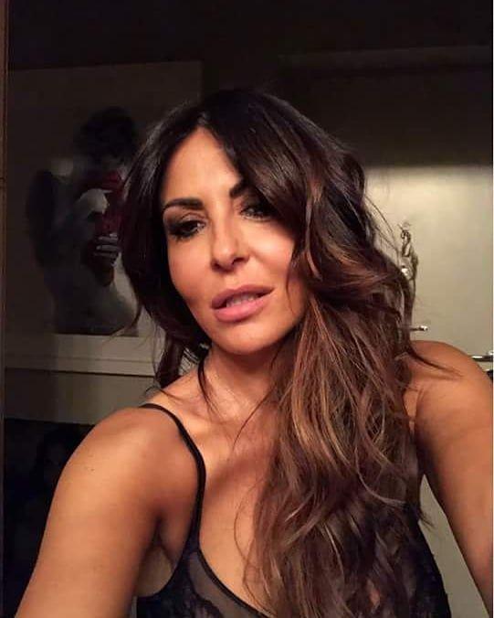 """SABRINA FERILLI on Instagram: """"Un selfie di sabri da facebook??? Quanto è bella! """""""