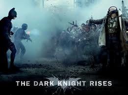 esse sim, lançado estrategicamente depois de todos os principais filmes do ano, pelo menos até então, julho de 2012, tem tudo pra, com a chancela do grande christopher nolan, ser o filme do ano, o fim da trilogia do batman...