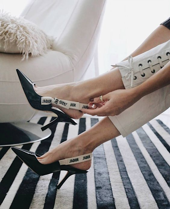 The Shoes that Everyone was Wearing at Fashion Week-Blank Itinerary