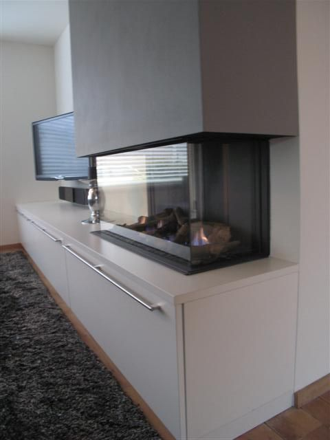 Openhaard tv meubel echt strak moderne keuken met - Deco moderne woonkamer ...