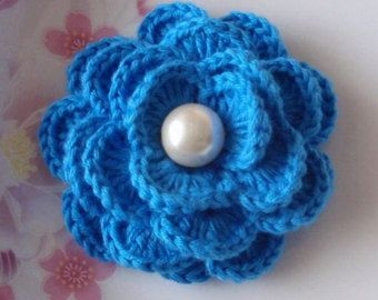 Crochet Flower in 2-1/2 inches YH-175 by YHcrochet on Etsy