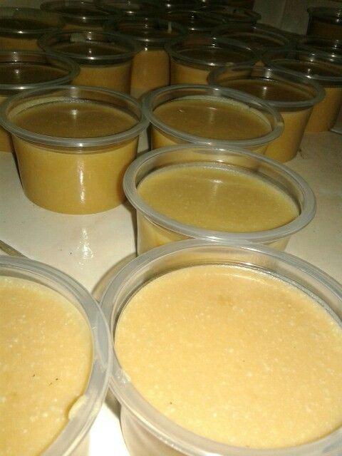 Produção de sabão em pasta.