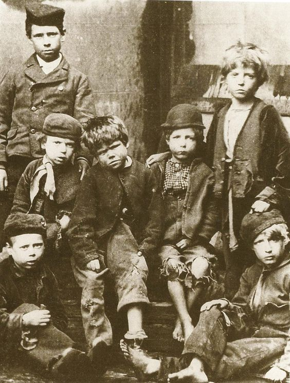 Vintage photo victorian London street children (reminds me of Sherlock Holmes's Baker Street Boys).