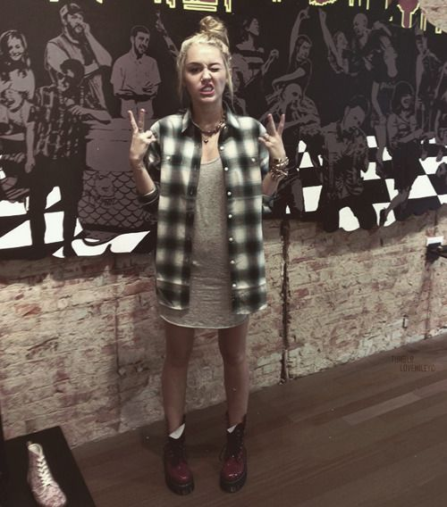 Miley Cyrus ' Style: