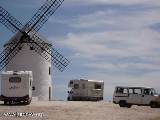 La Mancha, entre Molinos y Autocaravanas