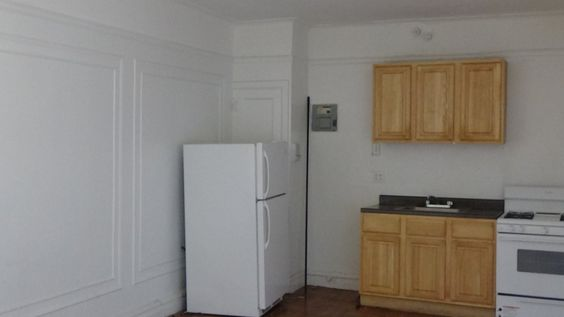 EAST TREMONT & POWELL AVE - **APARTMENT FEATURES** **OPEN KITCHEN **NEWLY POLISHED FLOORS **MODERN BATHROOM/KITCHEN **EXTENSIVE CLOSET SPACE **GOOD NATURAL LIGHT **NEAR PLENTY OF SHOPS AND DINING