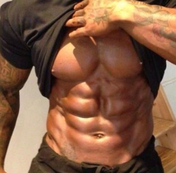 Rippling Defined Muscle!