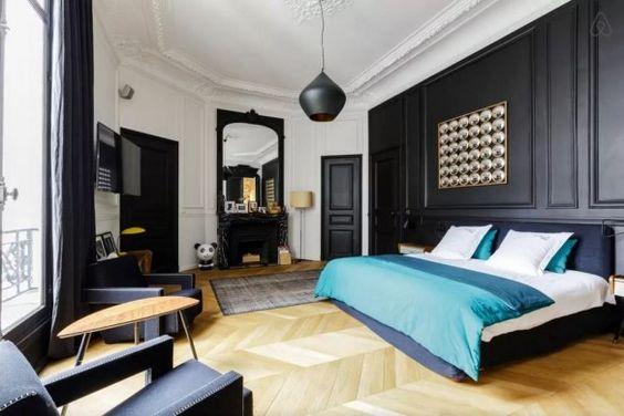 id es d co des moulures et boiseries noires noir mur derri re lit et lits. Black Bedroom Furniture Sets. Home Design Ideas