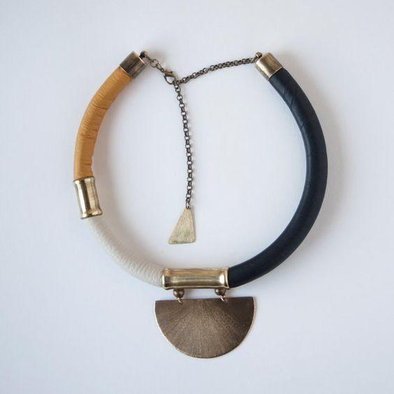 KALLMOON Collar único de-estilo-africano. por havanaflamingo                                                                                                                                                                                 Más