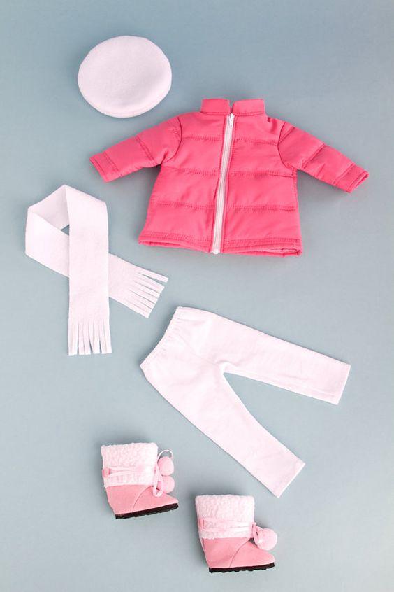 Parisian Adventure Clothes for 18 inch von DreamWorldCollection